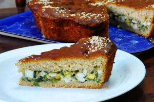 Пирог с зелёным луком и яйцом (дрожжевой)