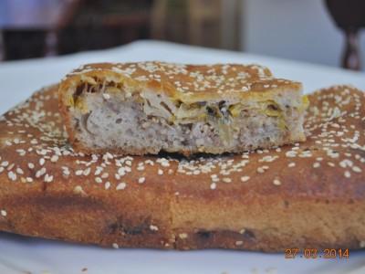 Пирог с капустой и мясом (бездрожжевой на закваске)