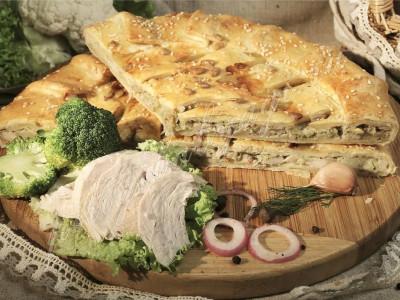 Пирог с курицей и брокколи (слоёный бездрожжевой)