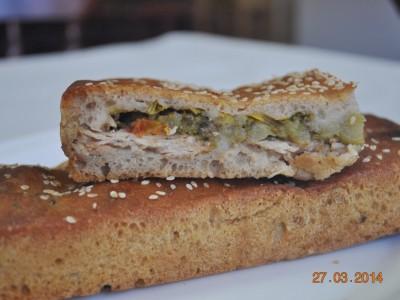Пирог с курицей и брокколи (бездрожжевой на закваске)