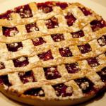 Пирог вишневый на основе из печенья