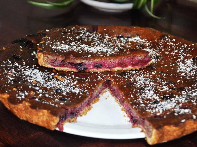 Пирог с вишней и черной смородиной (песочный)