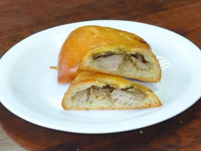 Пирожок со свининой (дрожжевой) (Заказ от 10 шт.)