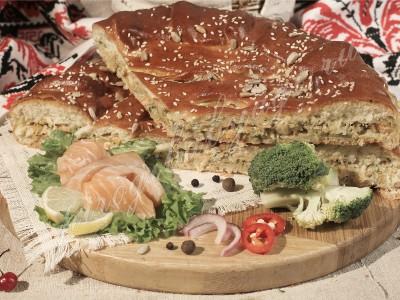 Пирог с лососем (дрожжевой)