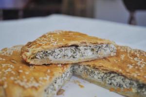 Пирог со шпинатом и творогом (слоёный бездрожжевой)