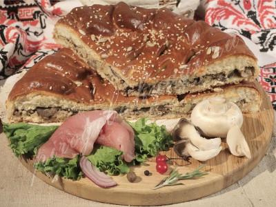 Пирог со свининой (дрожжевой)