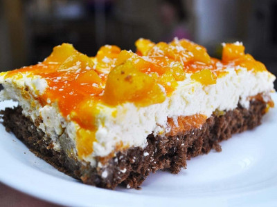 Творожно-персиковый (Заказы на торты принимаются за 3 дня)